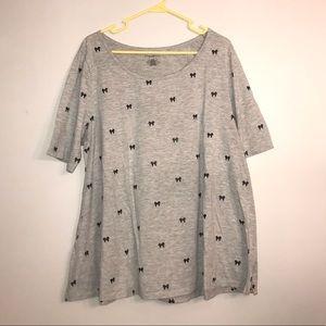 Bow Pattern Gray T-Shirt